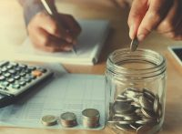 mengelola pendapatan